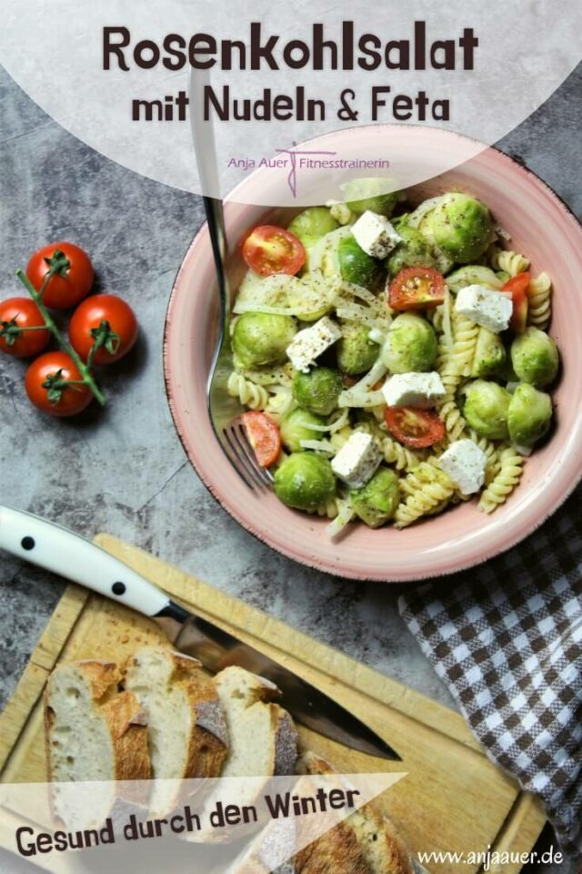 Gesunder Wintersalat mit Rosenkohl, Feta & Pasta - fitness pin