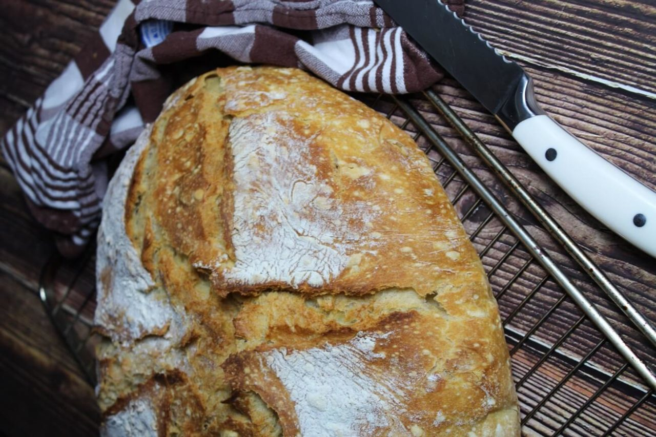 selbstgebackenes Brot ohne Zusaetze - anja auer pilatestrainer