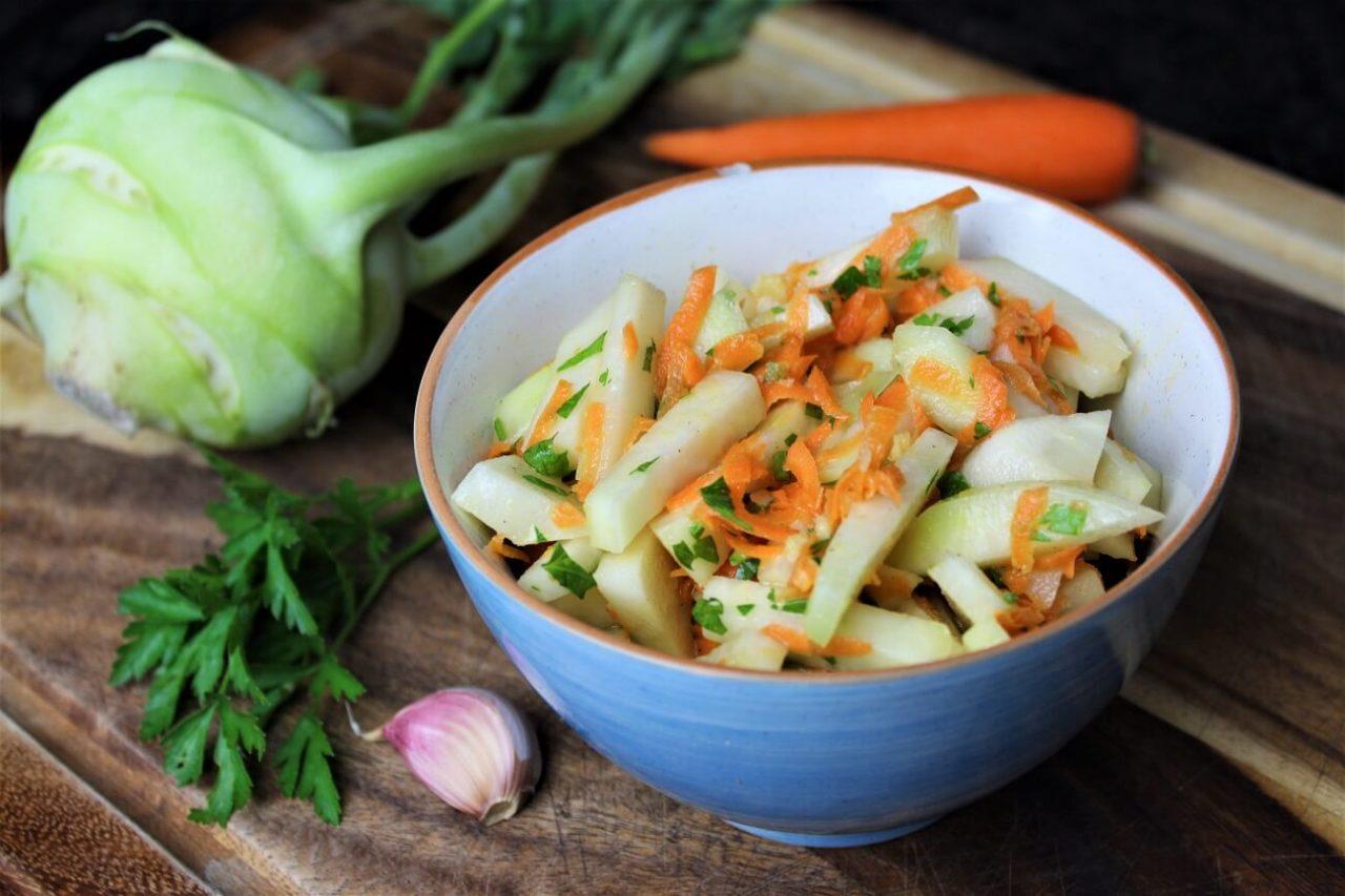Moehren Kohlrabi salat